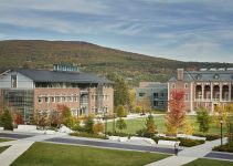 TOP 10 trường đại học khai phóng tốt nhất tại Hoa Kỳ